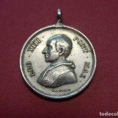 Antigüedades: MEDALLA DE METAL PLATEADO - PAPA LEON XIII - AÑO 1888 - OLEO SANCTO MEO .. L583. Lote 187454142