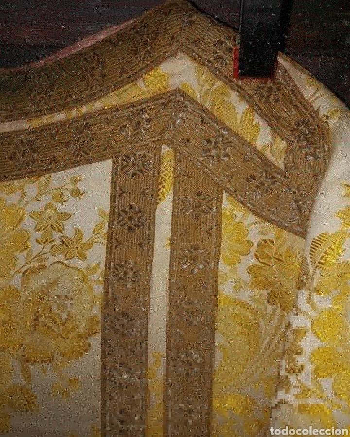 Antigüedades: Dalmática seda bordado em fio metal dourado - Foto 2 - 187461260