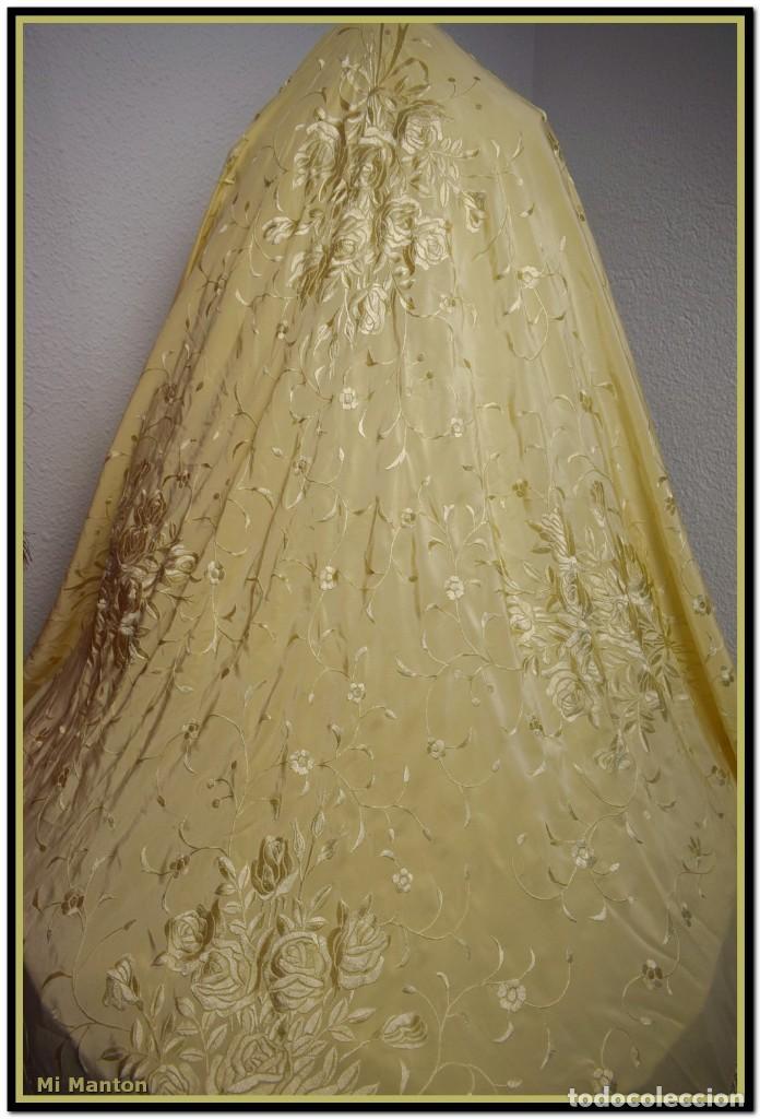 Antigüedades: Maravilloso chal manton de manila seda bordado a mano tono marfil ideal fiestas - Foto 2 - 187532431