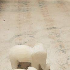 Antigüedades: 2 PRECIOSOS ELEFANTES TALLADOS EN MARMOL. Lote 187544200