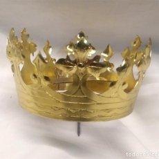 Antigüedades: CORONA PARA IMAGEN VIRGEN O SANTO CORONADO DE BRONCE. MED. 8 CM DIAMETRO. Lote 213635196