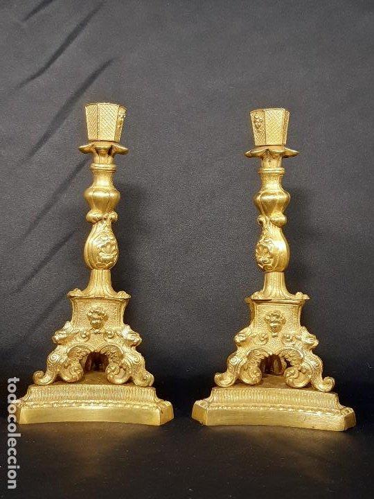 Antigüedades: Pareja candeleros. Bronce dorado. Napoleón III. Francia. Siglo XIX. - Foto 2 - 187769520