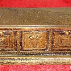 Antigüedades: ARCÓN GÓTICO MINIATURA. METAL CHAPADO PLATA. JOYERÍA DURAN. ESPAÑA. CIRCA 1950. Lote 188319376