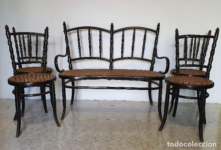 CONJUNTO DE SOFA Y CUATRO SILLAS DE REJILLA (Antigüedades - Muebles Antiguos - Sofás Antiguos)