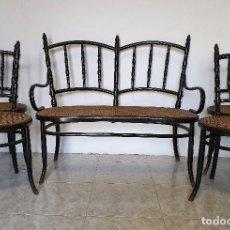 Antigüedades: CONJUNTO DE SOFA Y CUATRO SILLAS DE REJILLA. Lote 188415698