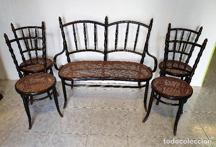 Antigüedades: CONJUNTO DE SOFA Y CUATRO SILLAS DE REJILLA - Foto 2 - 188415698