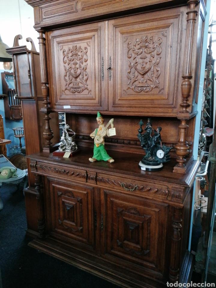 APARADOR DE ROBLE MACIZO TALLADO (Antigüedades - Muebles Antiguos - Aparadores Antiguos)