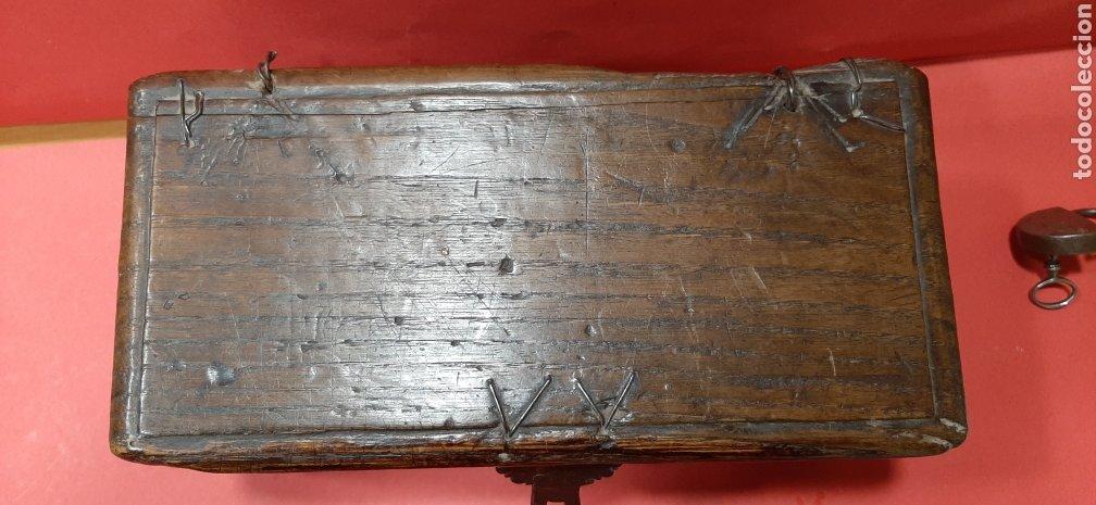 Antigüedades: PEQUEÑA ARQUETA DE ROBLE. SIGLO XVII. - Foto 8 - 188506967