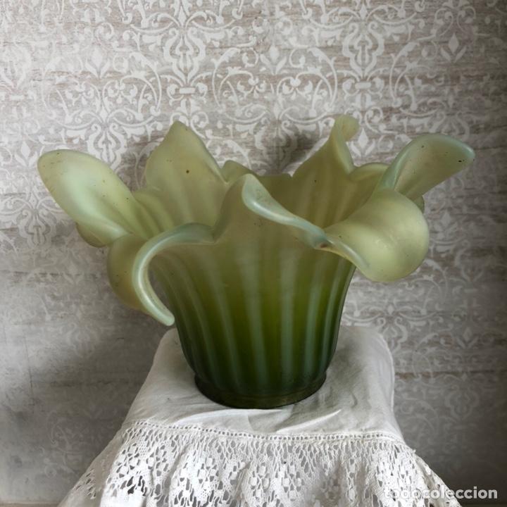 Antigüedades: Antiguo plafón de aplique de cristal. Art Nouveau FINALES S.XIX- PRINCIPIOS S.XX. - Foto 3 - 188559406