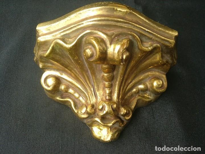 PEQUEÑA MÉNSULA DE ESCAYOLA DORADA (Antigüedades - Religiosas - Varios)