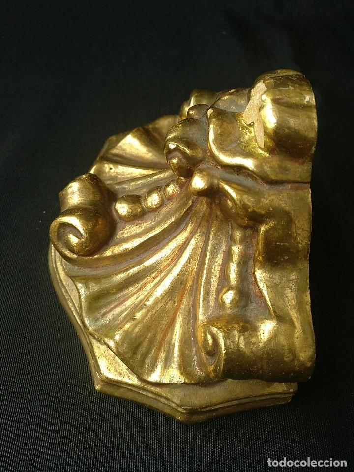 Antigüedades: PEQUEÑA MÉNSULA DE ESCAYOLA DORADA - Foto 3 - 188561860
