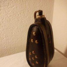 Antigüedades: ANTIGUO PERFUMERO DE MADERA,CON LATÓN Y TACHUELAS.. Lote 188593698