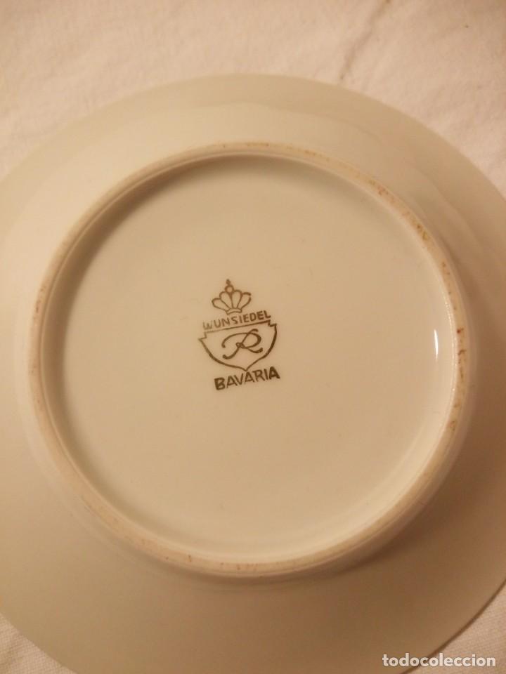 Antigüedades: Lote de 3 platos de café de porcelana wunsiedel bavaria,decorados con oro. - Foto 3 - 188603523
