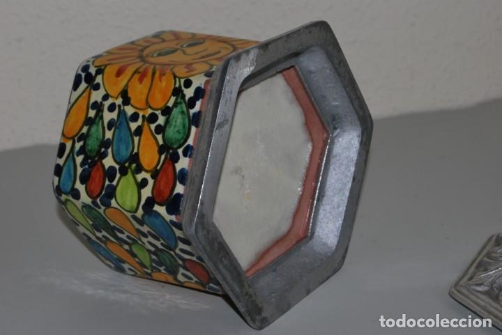 Antigüedades: PRECIOSO BOTE DE CERÁMICA - TAPA DE METAL - TALAVERA DE PUEBLA - MÉXICO - Foto 9 - 188621920