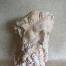 Antigüedades: BUSTO DE PARED DE PORCELANA ZEUS 44 CM X 33 CM. Lote 56735086