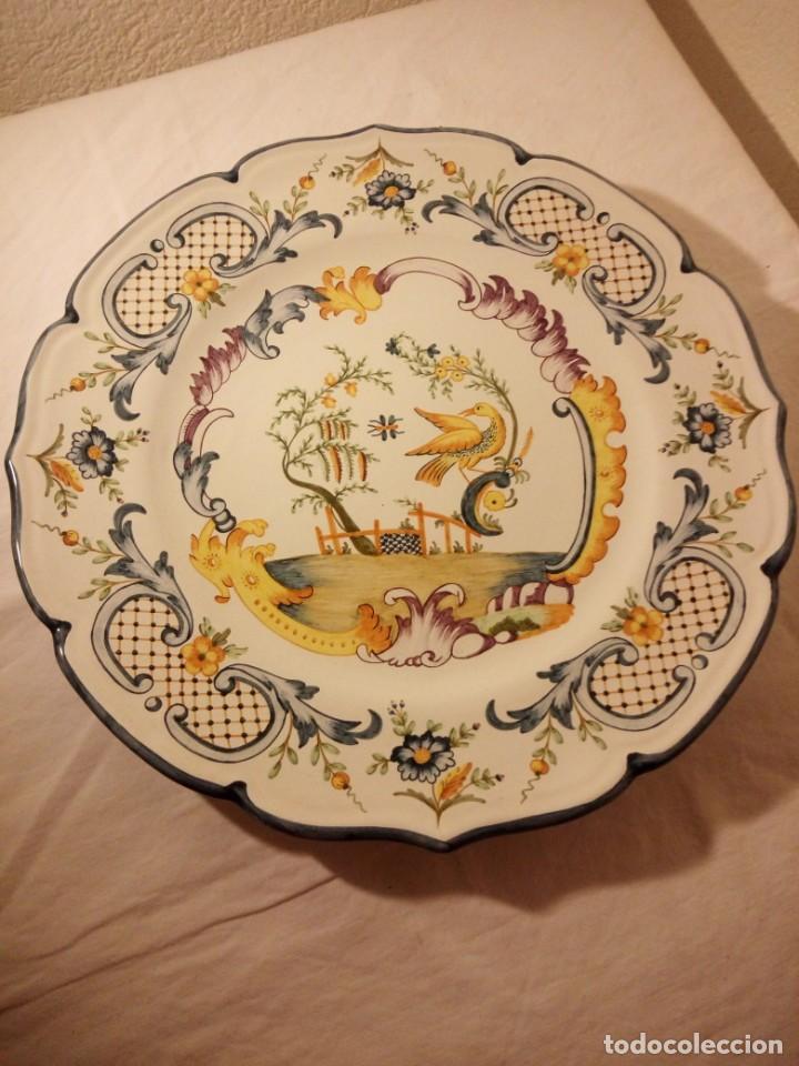 Antigüedades: Plato de cerámica alcora ma, c-011-35-7-82. motivo flores y ave. 35 cm - Foto 6 - 188745026