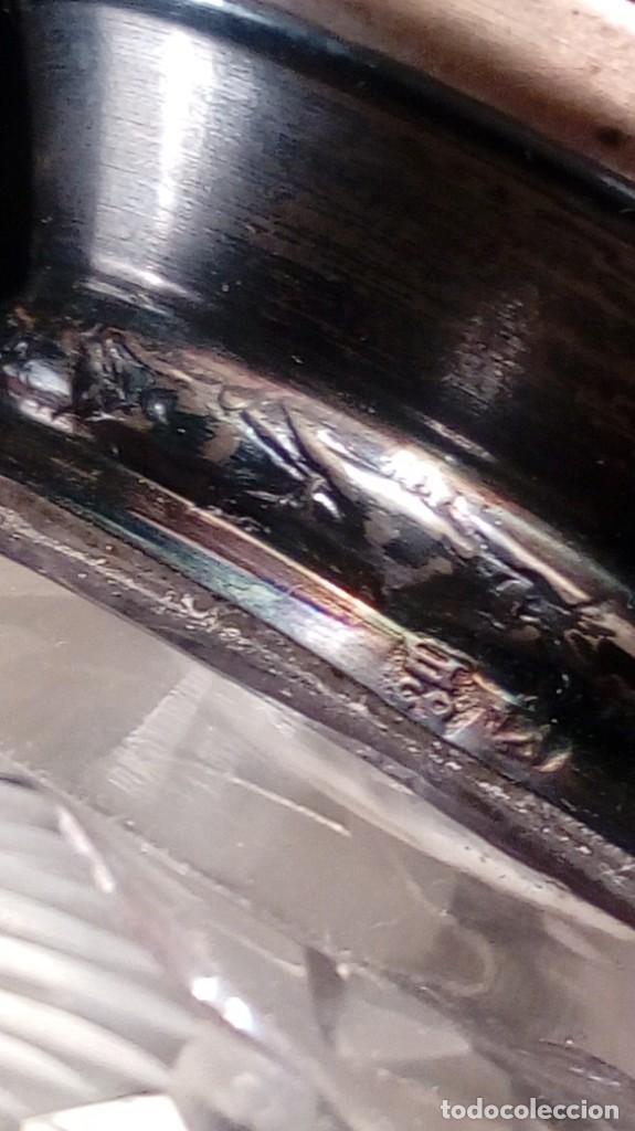 Antigüedades: BOTELLA PARA COLONIA. CRISTAL BACCARAT GRABADO AL ÁCIDO. GOLLETE PLATA PUNZONADA. ÚLTIMO CUARTO XIX - Foto 4 - 188745721