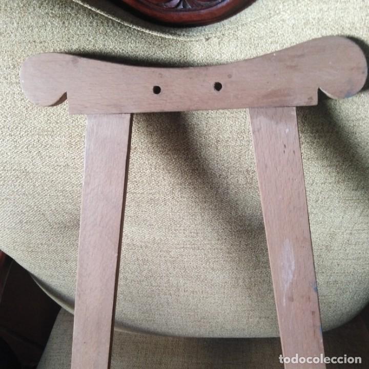 Antigüedades: Antiguo Trípode o caballete para almohadilla de encaje de bolillos - Foto 4 - 188796575