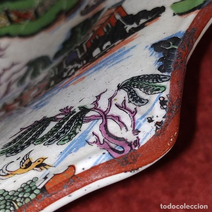 Antigüedades: CENTRO DE MESA. LOZA ESMALTADA. MOTIVOS CHINESCOS. INGLATERRA (?). XIX - Foto 6 - 189099436