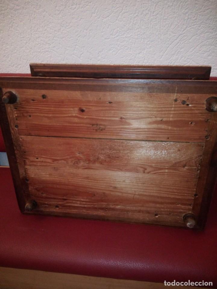 Antigüedades: Antiguo baúl cofre de despacho de madera de roble de raíz con incrustaciones y adornos de bronce. - Foto 21 - 189143608