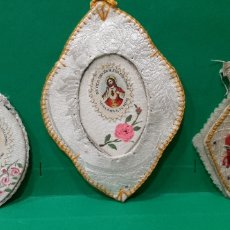 Antigüedades: TRES DETENTES BORDADOS. Lote 189253830