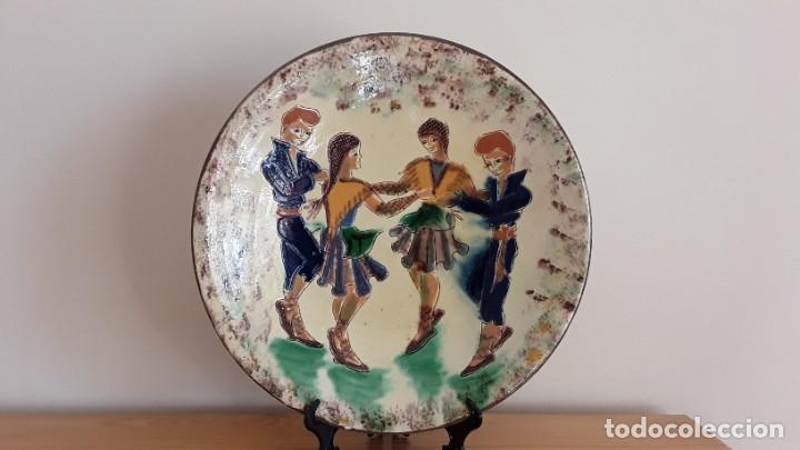 GRAN PLATO CERÁMICA LA BISBAL, PUIGDEMONT (Antigüedades - Porcelanas y Cerámicas - La Bisbal)