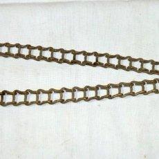 Antigüedades: ANTIGUA CADENA DE LAMPARA.48 CM. Lote 189308160