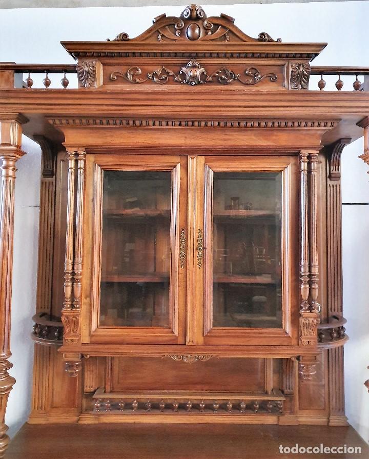 Antigüedades: ANTIGUA VITRINA TRINCHERO TALLADA - Foto 2 - 225083260