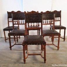 Antigüedades: ANTIGUO JUEGO DE SILLAS EN PIEL REPUJADA. Lote 189309377