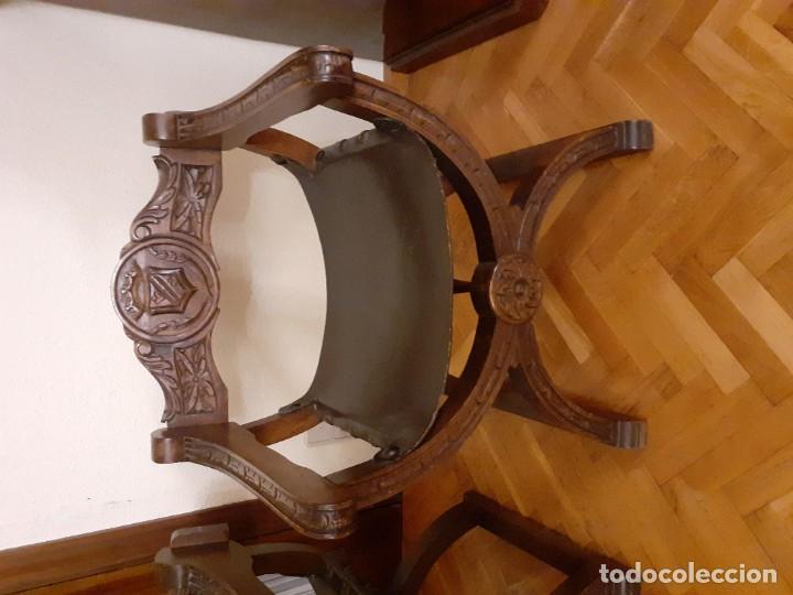 Antigüedades: PAREJA JAMUGAS, SILLONES MADERA Y CUERO - Foto 2 - 189330802