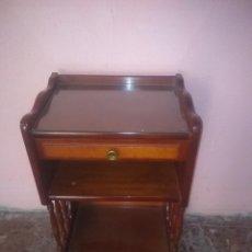 Antigüedades: BONITO REVISTERO . Lote 189381122