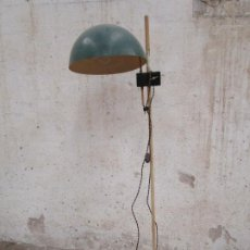 Antigüedades: ORIGINAL LAMPARA DE PIE CONSULTA MEDICO BAHUAUS AÑOS 20 CABLE NUEVO. Lote 189387587