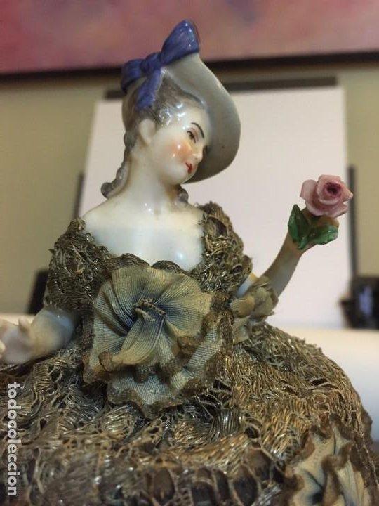 Antigüedades: Busto muñeca de porcelana Art Decó. Impresionante traje todo tela - Foto 4 - 189436605