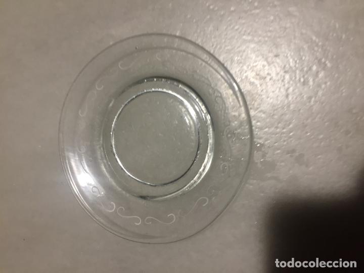 Antigüedades: Antigua taza de cristal soplado a mano de niño con Mickey Mouse años 40-50 - Foto 8 - 189478102