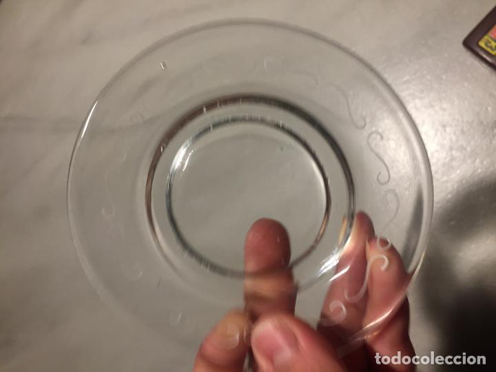 Antigüedades: Antigua taza de cristal soplado a mano de niño con Mickey Mouse años 40-50 - Foto 9 - 189478102