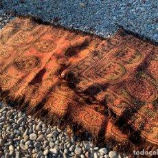 Antigüedades: MAGNIFICO MANTON ANTIGUO ADAMASCADO. MIDE 140X50CMS APROX. Lote 189483672