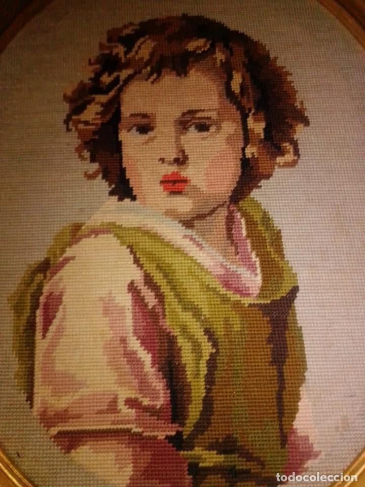 Antigüedades: Antiguo tapiz con marco dorado - Foto 2 - 189488601