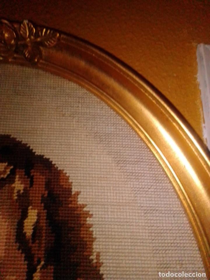 Antigüedades: Antiguo tapiz con marco dorado - Foto 3 - 189488601