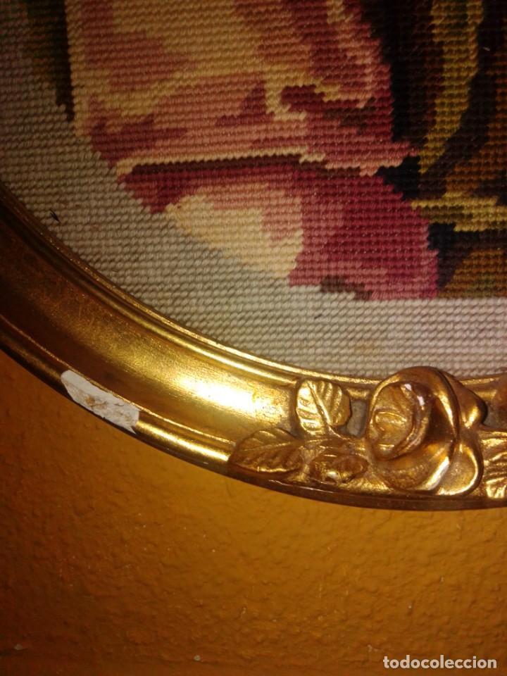 Antigüedades: Antiguo tapiz con marco dorado - Foto 7 - 189488601