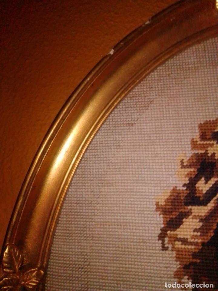 Antigüedades: Antiguo tapiz con marco dorado - Foto 11 - 189488601