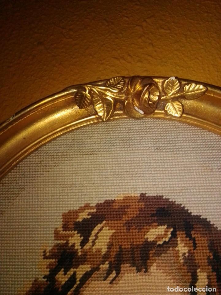 Antigüedades: Antiguo tapiz con marco dorado - Foto 12 - 189488601