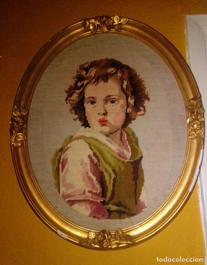 Antigüedades: Antiguo tapiz con marco dorado - Foto 13 - 189488601