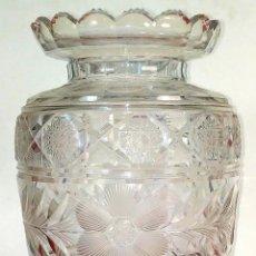 Antigüedades: GRAN JARRÓN EN CRISTAL TALLADO. ESPAÑA. PRINCIPIOS SIGLO XX. Lote 189561336