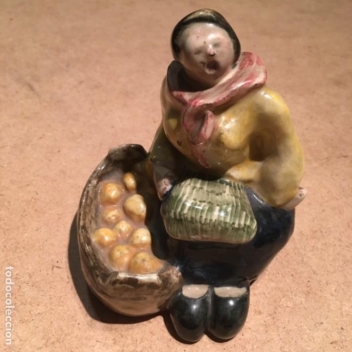 Antigüedades: Figura de cerámica portuguesa Constantino de Águeda - Foto 10 - 189563566
