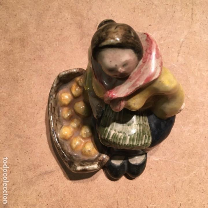 Antigüedades: Figura de cerámica portuguesa Constantino de Águeda - Foto 11 - 189563566