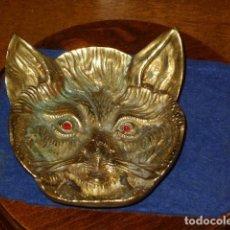 Antigüedades: DEJALLAVES DE BRONCE,CARA DE GATO.. Lote 189583262
