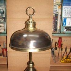 Antigüedades: ANTIGUA LAMPARA DE PIE EN BRONCE-DE 2 LUCES. Lote 189590848
