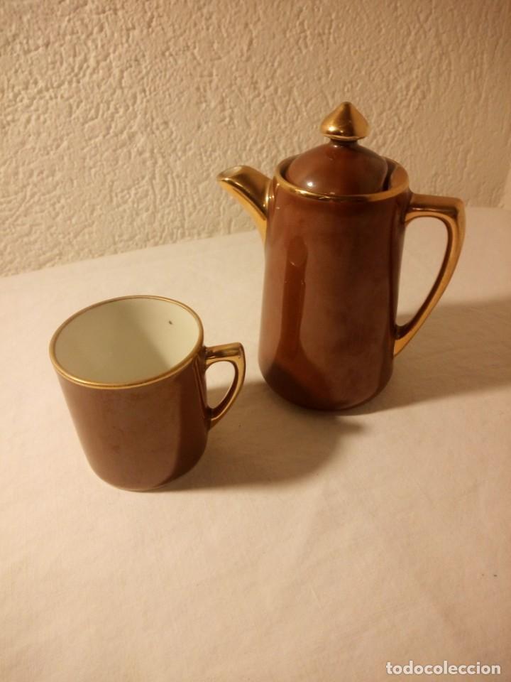 SOLITARIO DE TAZA Y CAFETERA DE PORCELANA S.P.M. WALKIIRE (Antigüedades - Porcelana y Cerámica - Alemana - Meissen)