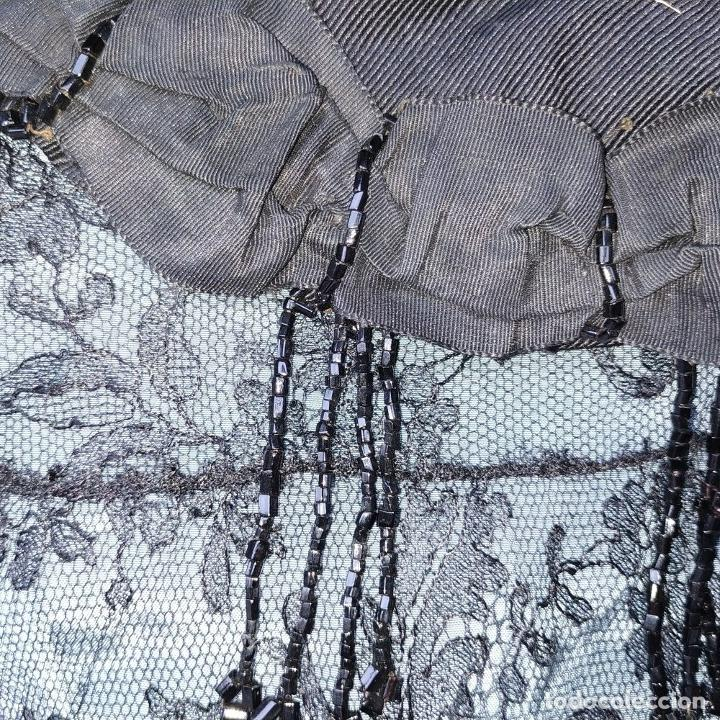 Antigüedades: CONJUNTO DE BLUSA Y CUELLO DE DAMA. OTOMÁN Y ENCAJE NEGRO. CONFECCIÓN MANUAL. ESPAÑA. SIGLO XIX - Foto 9 - 189738477