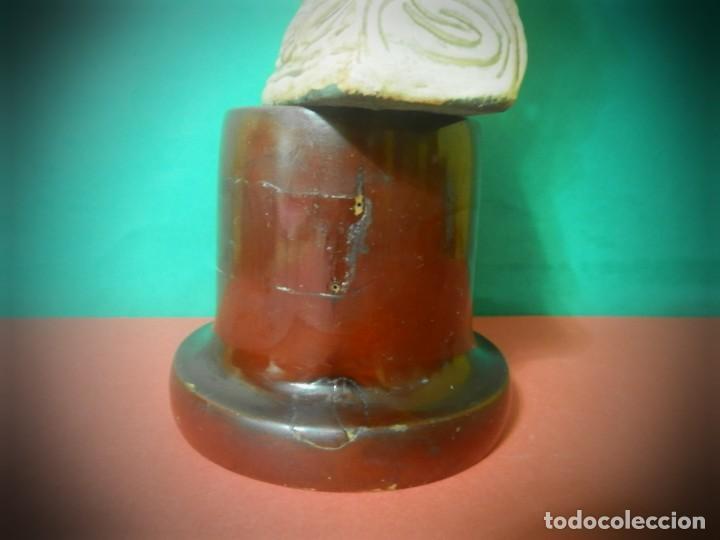 Antigüedades: FIGURA ANTIGUA AIZKOLARI EN PEANA DE MADERA. 35 CENTIMETROS - Foto 7 - 189766981